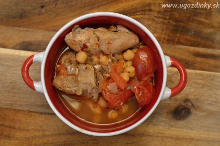 Zimná cícerová  polievka s kuracím mäsom