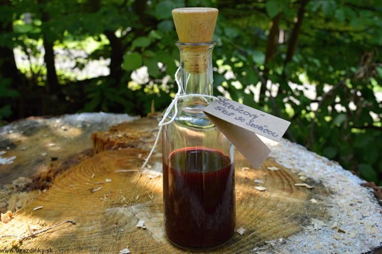 Černicový sirup so škoricou