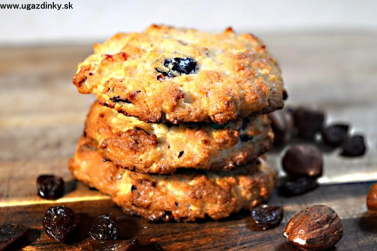 Bezlepkové mandľové sušienky s brusnicami a orechmi