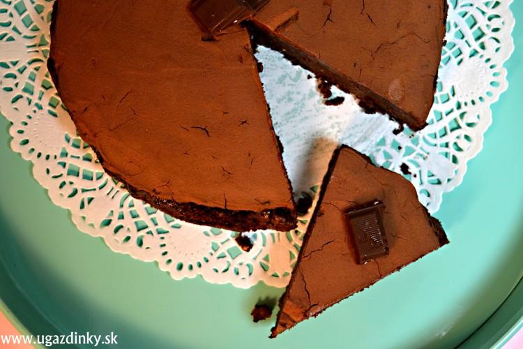 Bezlepková orechová torta