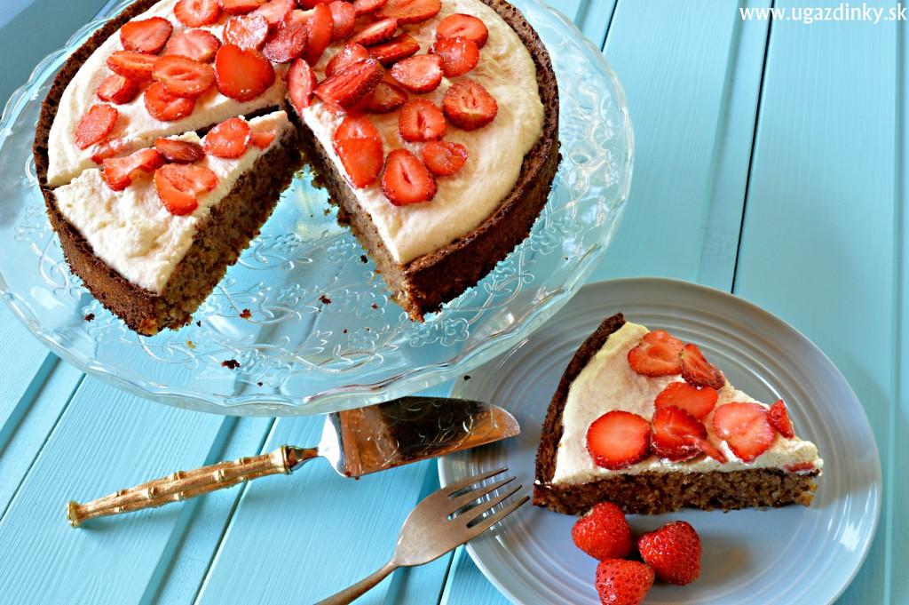 Orechová torta so šľahačkou bez lepku