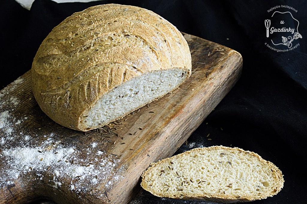Bezlepkový rascový chlieb